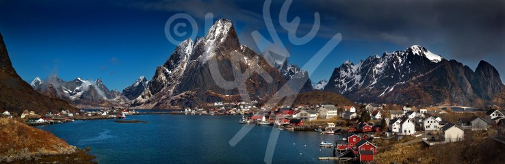 NORWAY Reine, Lofoten Islands