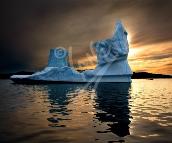Twillingate, iceberg at sunset