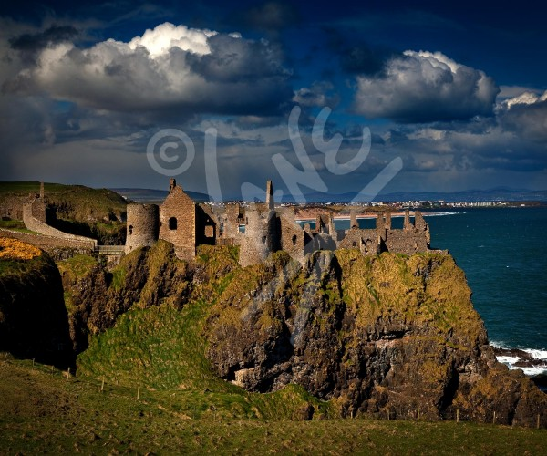 IRELAND Dunluce Castle